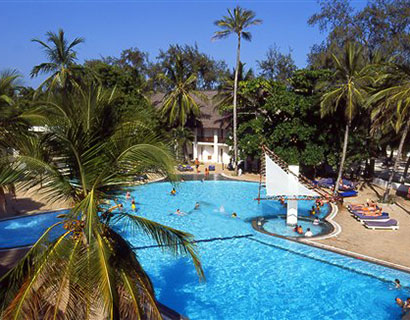 beach hotels and holiday activities in watamu