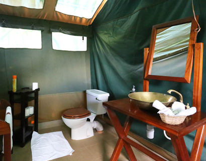 Mara camps, Ilkeliani bathrooms