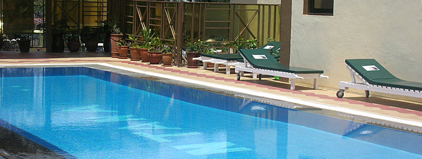 Bontana hotel swimming pool